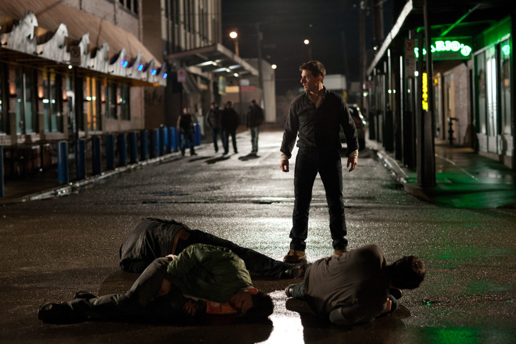Tom Cruise (center) is Reacher in JACK REACHER, from Paramount Pictures and Skydance Productions. OS-09738