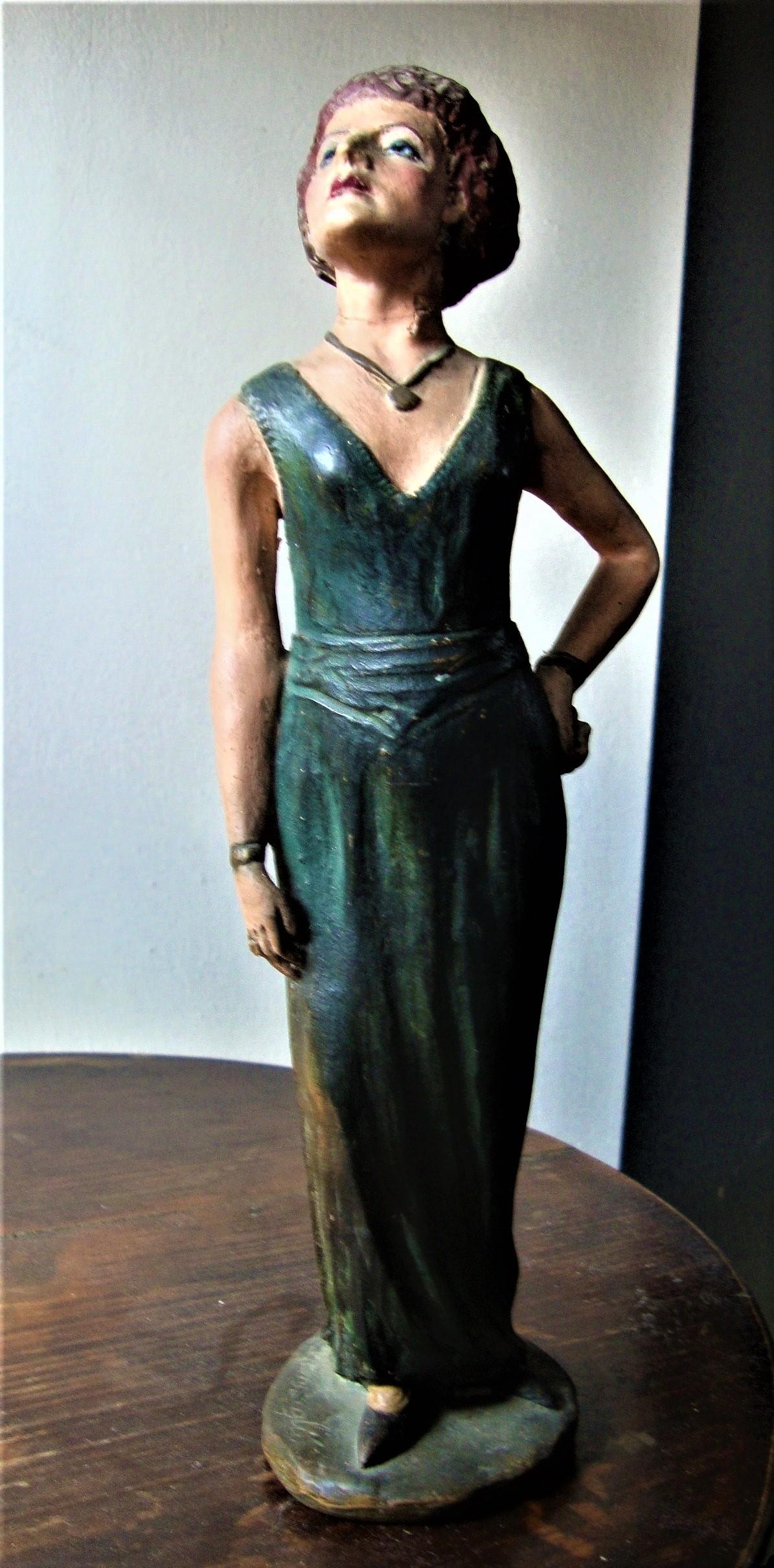 Statuetta di Paola Pazzaglia, in La nemica