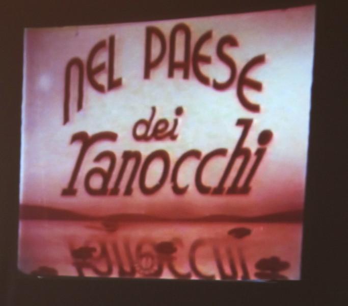 Rubino: un fotogramma iniziale del cortometraggio Il paese dei ranocchi