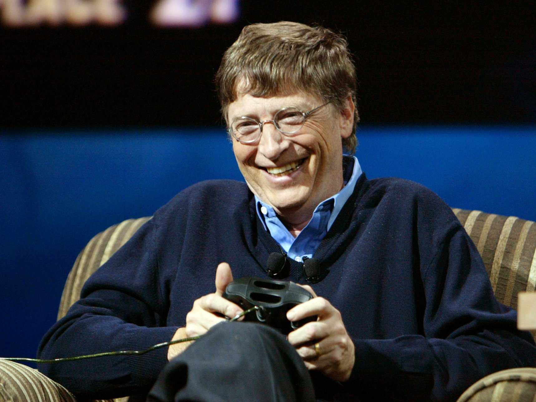 o-cast robot bill gates