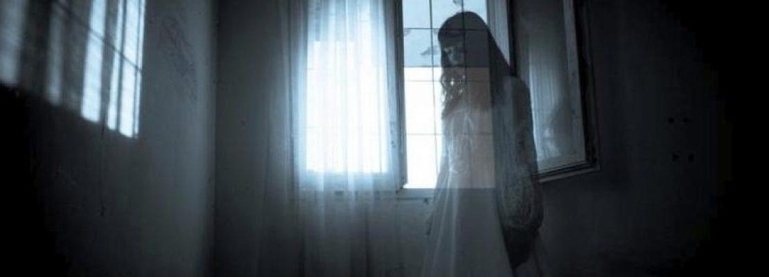Lo specchio, di Tea C. Blanc